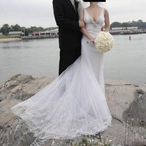 💕HP💕 Stunning Reem Acra wedding dress